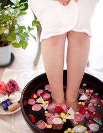 Aromatherapy アロマテラピー 心地よい自然のアロマの香りに笑顔を添えて